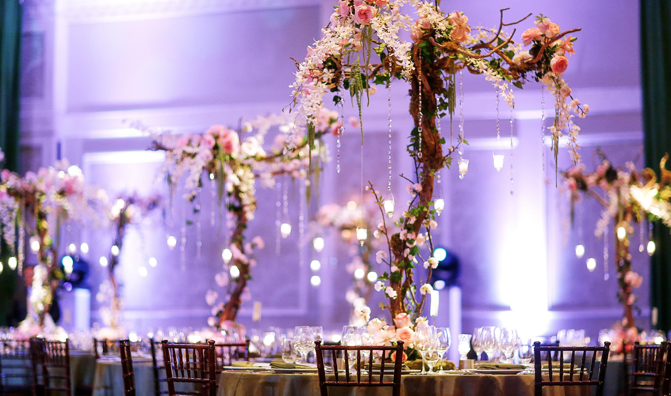 What are the major wedding decoration needed for your special day